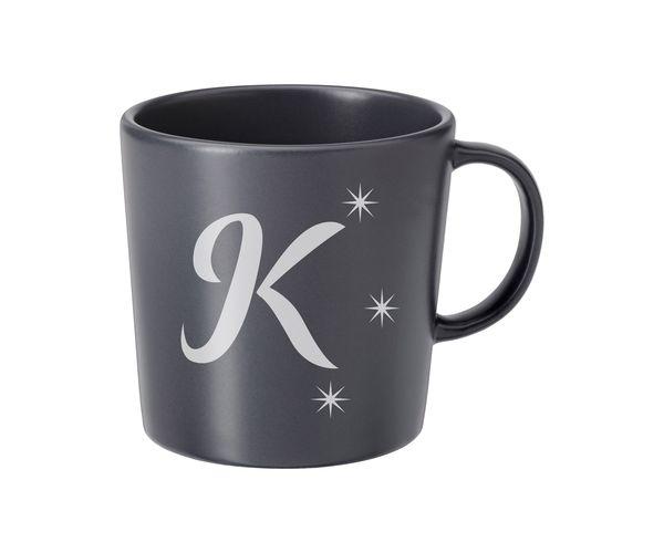 Keramický hrnek šedý s pískováním - K